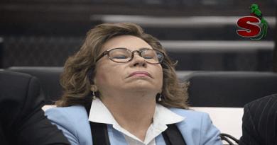 """Sandra """"La Tarántula"""" Torres lamentándose por ser ligada a un proceso penal."""