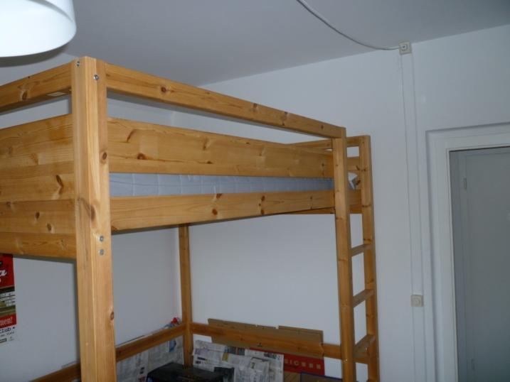 Hochbett Holz 140 x 200 cm mit Matratze von Ikea