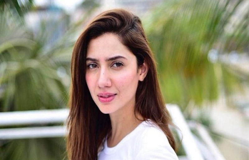 Photo of Fan has meltdown over Mahira Khan's chai picture – SUCH TV