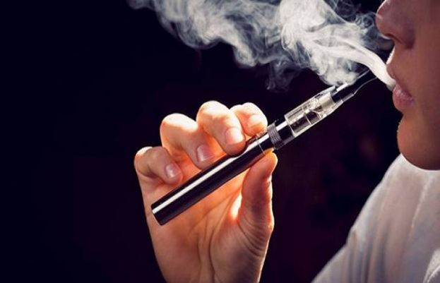 Donald Trump´s administration announced it would soon ban flavored vaping products,