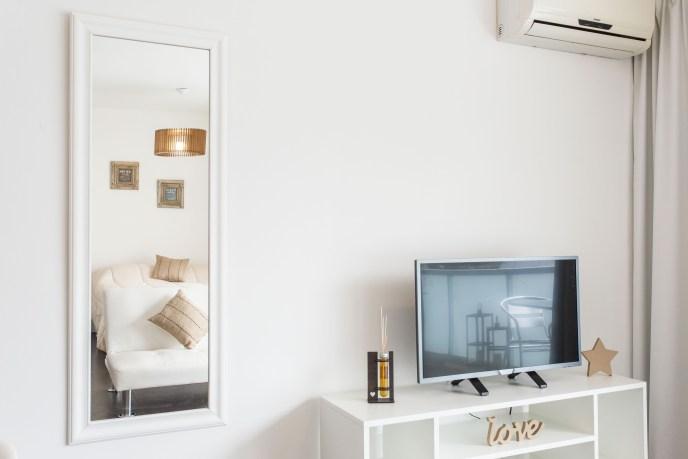 Apartemento amoblado con balcon superior smart Tv