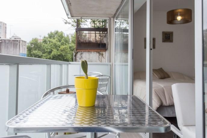 Apartemento amoblado con balcon superior mesa balcon ampliada