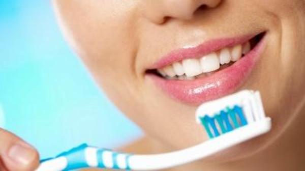 كيف تختار معجون الأسنان المناسب؟