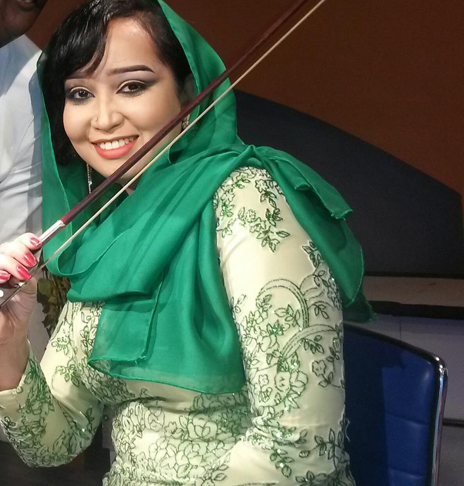 ريماز ميرغني تلتقي معجبيها بحفل جماهيري