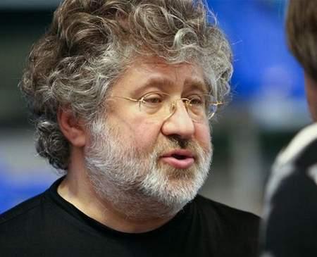 بالصور: رجل يمتلك جيشًا خاصًا لمحاربة الحكومة الأوكرانية: «ثروته 2 مليار دولار ويمتلك 3 قنوات تلفزيونية»