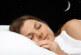 7 فوائد طبية للنوم بلا ملابس
