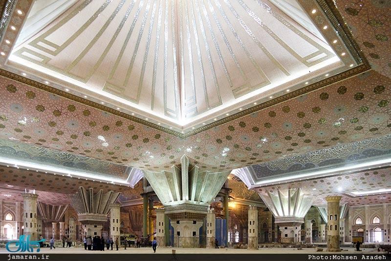 بالصور: مليارا دولار تكلفة مقبرة الخميني مؤسس النظام الإيراني