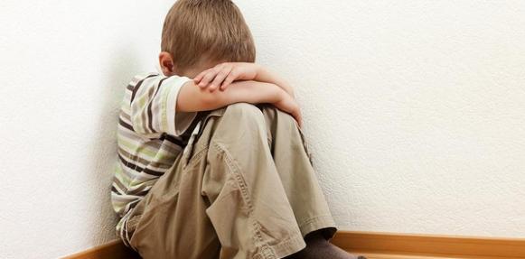 الطفل الذي يتعرض للعنف أكثر عرضة للسمنة عند الكبر