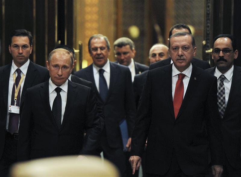 سياسي روسي يطالب بوتين بضرب إسطنبول بقنبلة نووية