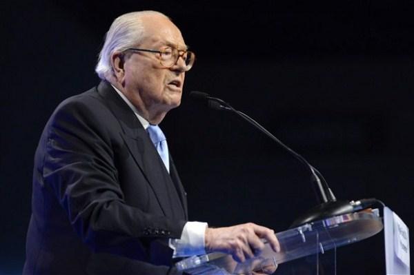 """زعيم أكبر حزب فرنسي متطرف يعتنق الإسلام """"نكاية"""" بإبنته !"""