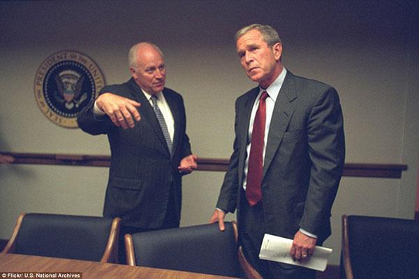 صور تُنشر للمرة الأولى لرد فعل المسؤولين الأمريكيين لحظة أحداث 11 سبتمبر