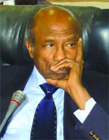 منصور خالد: صراعاتنا الشخصية أقعدت البلاد