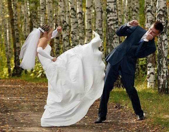 شاهد بالفيديو.. عروس تصفع عريسها على وجهه خلال مراسم الزواج
