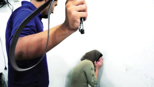 مصري ينتقم من زوجته بتعذيبها حتى الموت