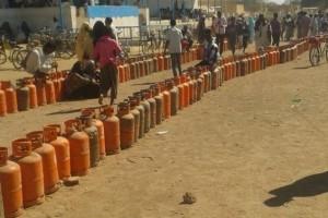 حينَ تبتسمُ الشمسُ لموقد بيتي تصفو مرايا عيونيْ.. حلول لمجابهة أزمة الغاز + صورة
