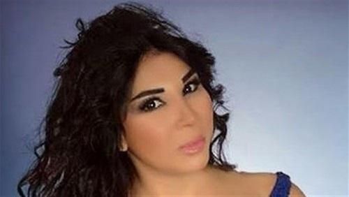 بالفيديو: فنانة مصرية تتعرض لأزمة قلبية على الهواء