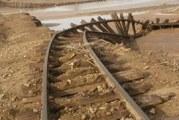بالصور : السيول تجرف قضبان السكك الحديد بمنطقة جبيت