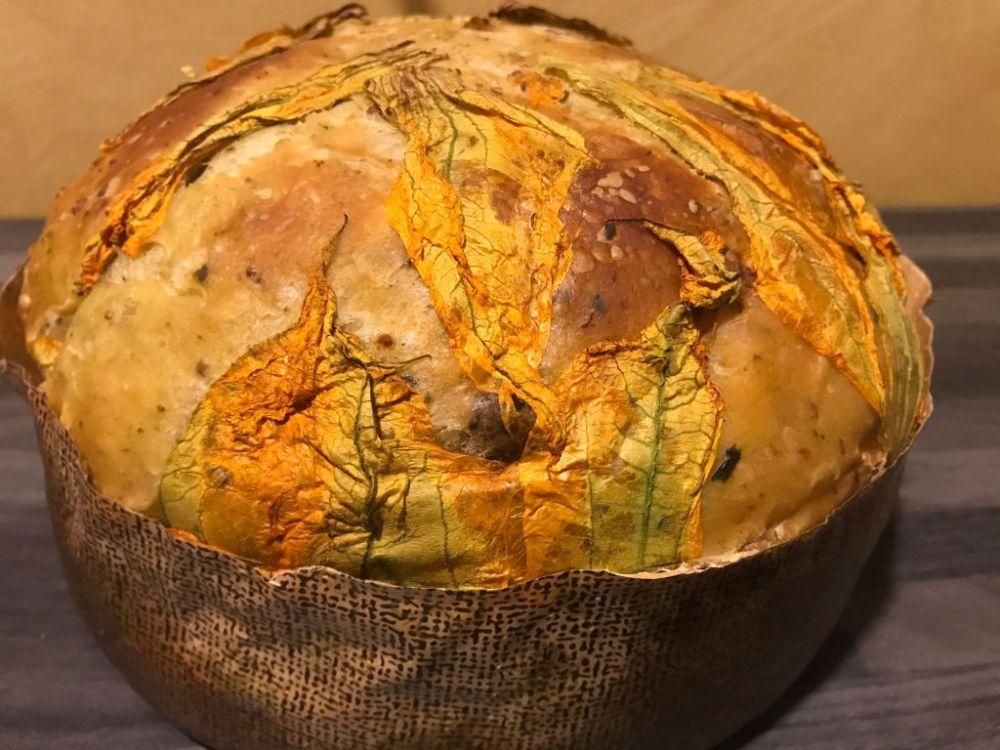 Ricetta panettone salsiccia friarielli e fiori di zucca o zucchine