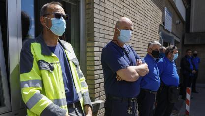 فيروس كورونا: حوالي خمسين سائق STIB قاموا بتكريم فيليب ، زميلهم المتوفى (صور)