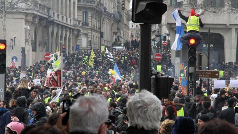 Gilets jaunes: des interdictions de manifester samedi décidées dans une quinzaine de villes de France
