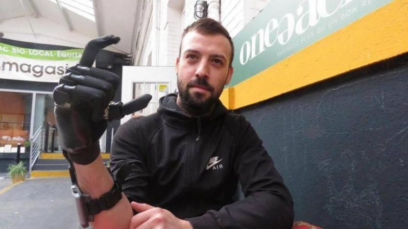Sébastien Maillet, le «gilet jaune» à la main arrachée, provisoirement indemnisé pour ce tir de grenade «ni nécessaire ni proportionné»