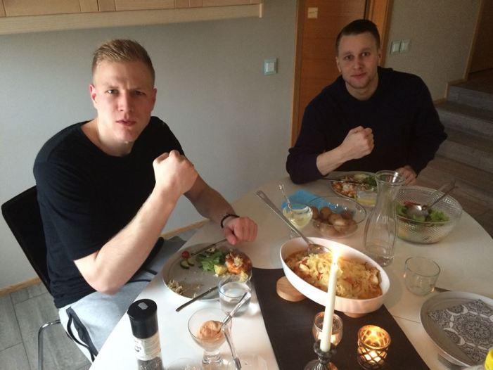 Formaður Kkd. UMFN sér til þess að lykilmenn borði hollan og góðan mat fyrir mikilvæga leiki