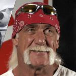 Hulk Hogan brugðið eftir harkalega lendingu á Keflavíkurflugvelli – Myndband!