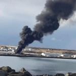 Eldur kom upp í bifreið á Fitjabraut