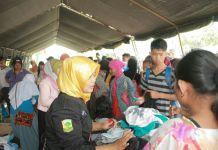 Suasana Pembagian Pakaian Layak Pakai di Payakumbuh. (Foto: DOkumentasi Sudut Payakumbuh)