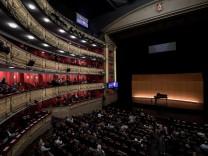 """Covid-Fälle am Opernhaus: """"Das Teatro Real ist nicht auf dem Mond"""""""