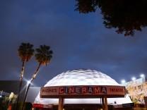 Cinerama Dome in Hollywood: Zu Hilfe, Tarantino