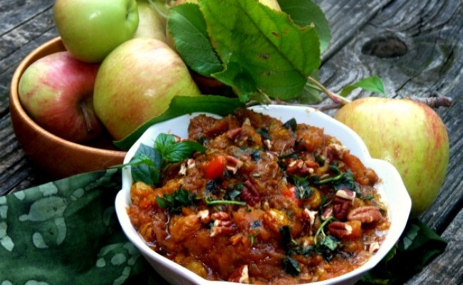 Warm Spice Pecan Raisin Apple Chutney #SundaySupper