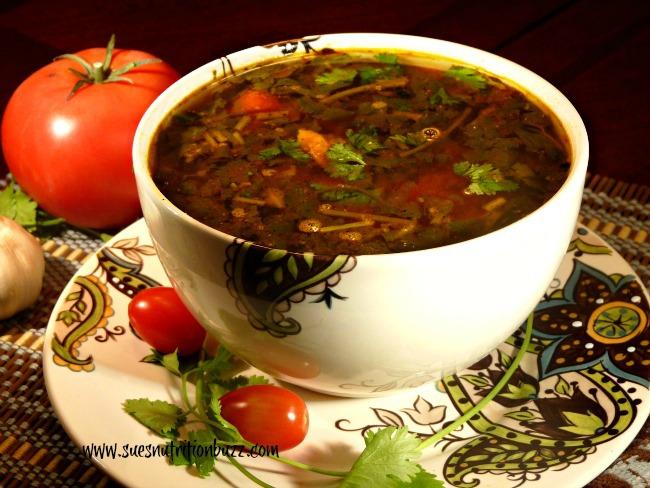 Peppery Mulligatawny Soup With Fresh Tomatoes & Cilantro #SundaySupper
