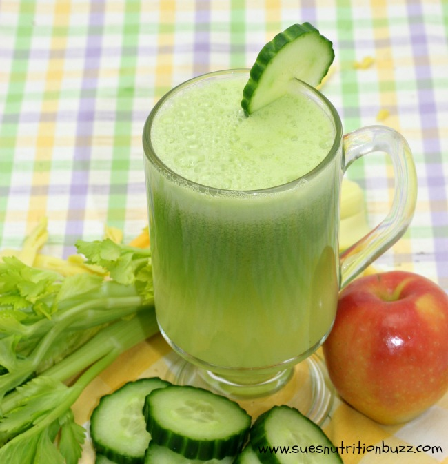 Cucumber Juice With Apples, Ginger & Celery For Great Skin