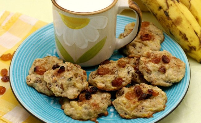 Kid Made 3 Ingredient Banana Oatmeal Raisin Cookie