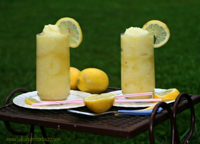 Pineapple Lemonade Slushy With Coconut Water #SundaySupper