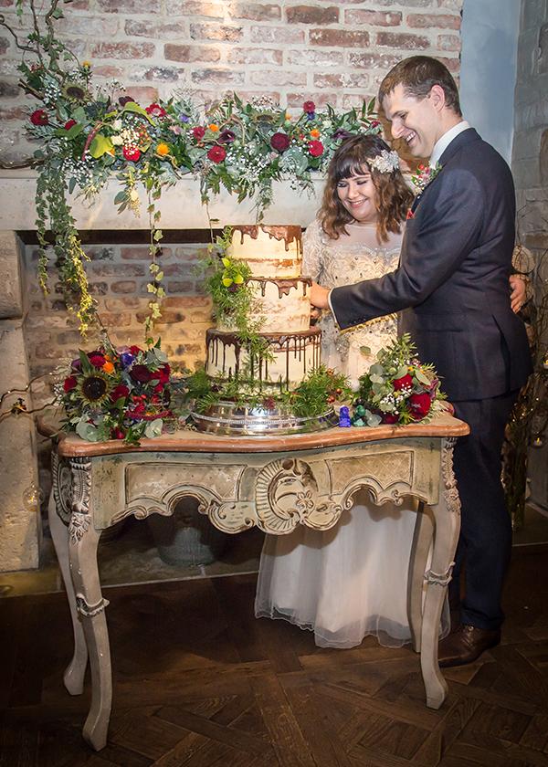 cutting the cake petit