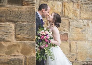 hidden kiss wedding photo alnwick castle