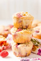 Raspberry Muffins loaded with juicy red raspberries and topped with an irresistible sugar crumble.