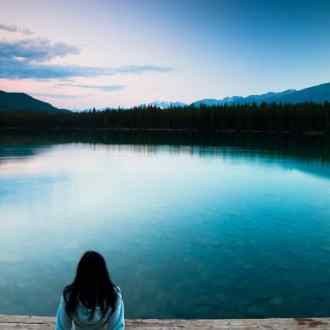 These 8 Things to Let Go of Right Now will set you up for a happier life in the coming year!