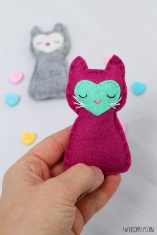 easy-felt-stuffed-animal-to-sew