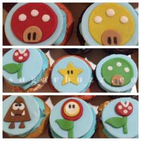 web Mario cupcakes W