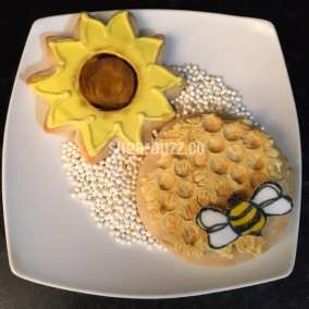 web sunflower and beehive cookies
