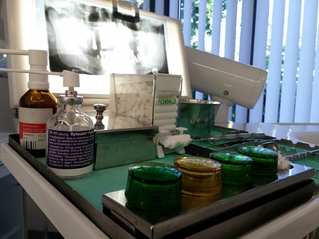 Small containers used in dentistry