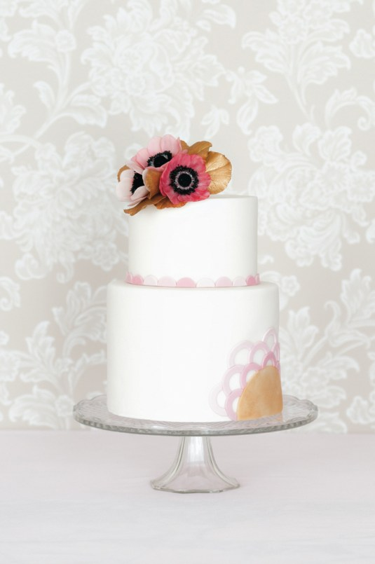 Anemone Cake, featured in Cakes & Sugarcraft Magazine