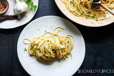 spaghetti aglio olio-feature-plate