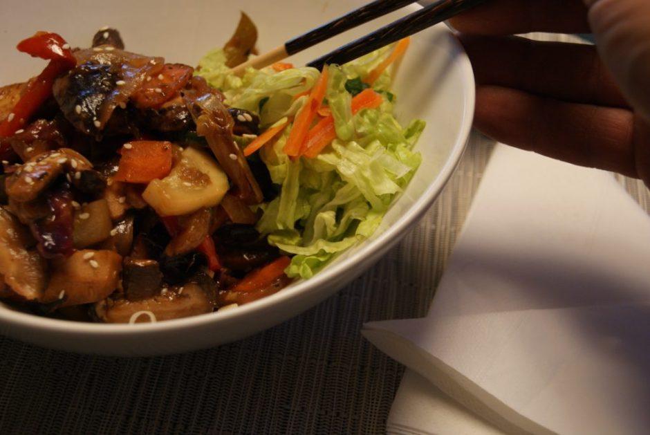 Sweet and spicy mango tofu stir-fry