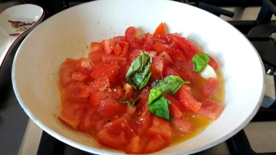 a simple pasta al pomodoro