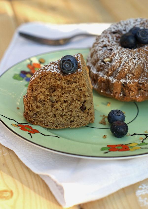 banana walnut mini cakes