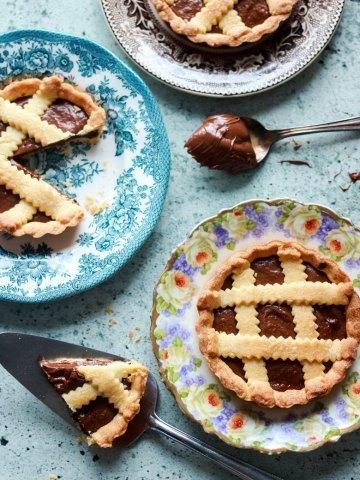 crostatine alla nutella-feature-in the plates-one cut